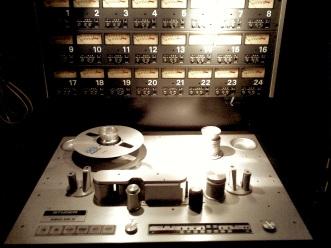 Studer_A800_MK_III_front_(Bullet_Sound_Studios)
